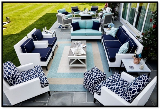 Comfort vs. Esthetic—Choosing the Right Outdoor Patio Furniture