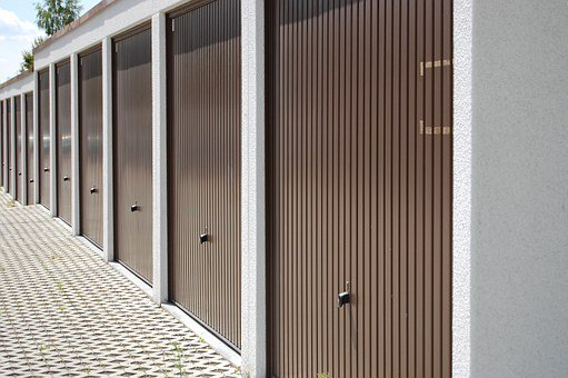 A Guide to the Different Types of Garage Doors