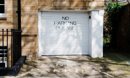 Tips on Hiring the Right Garage Door Repair Company
