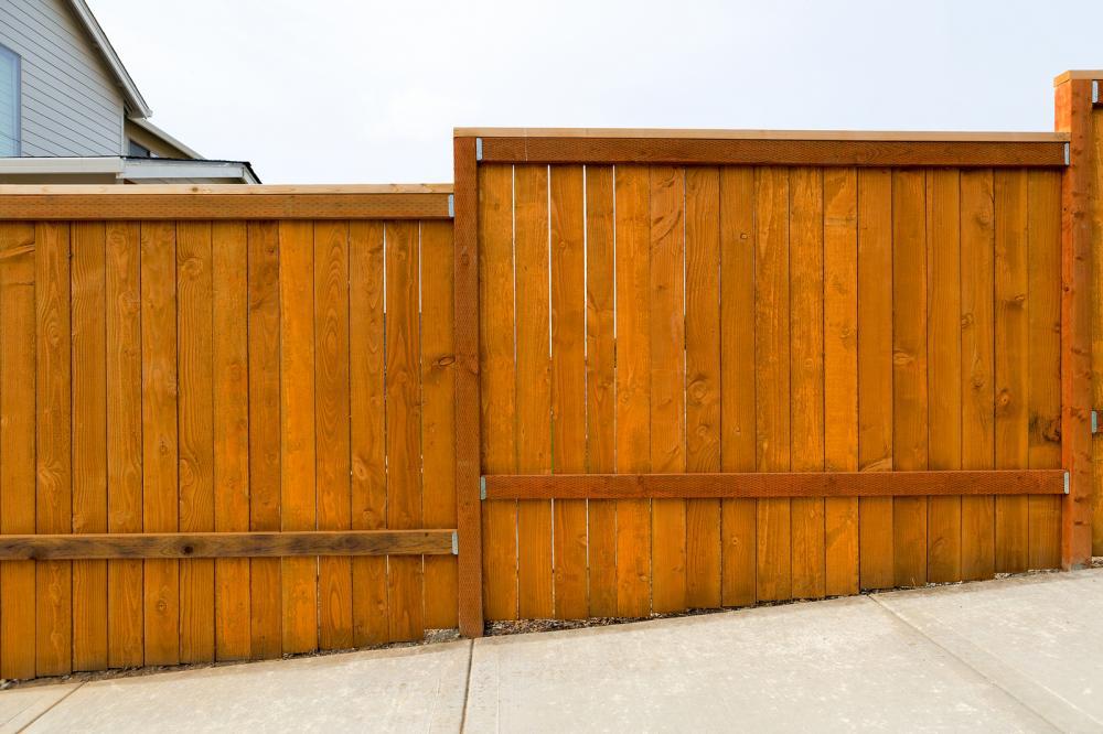 Summer Fence Maintenance 101: A Guide