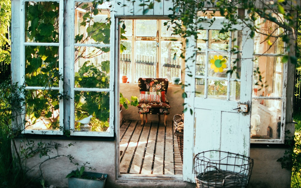 How To Pull Off a Vintage Home Design That Still Works Today