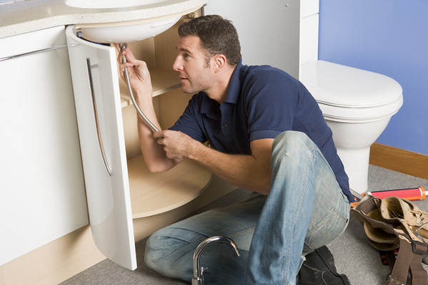 When You Need a Plumber: A Definitive Guide