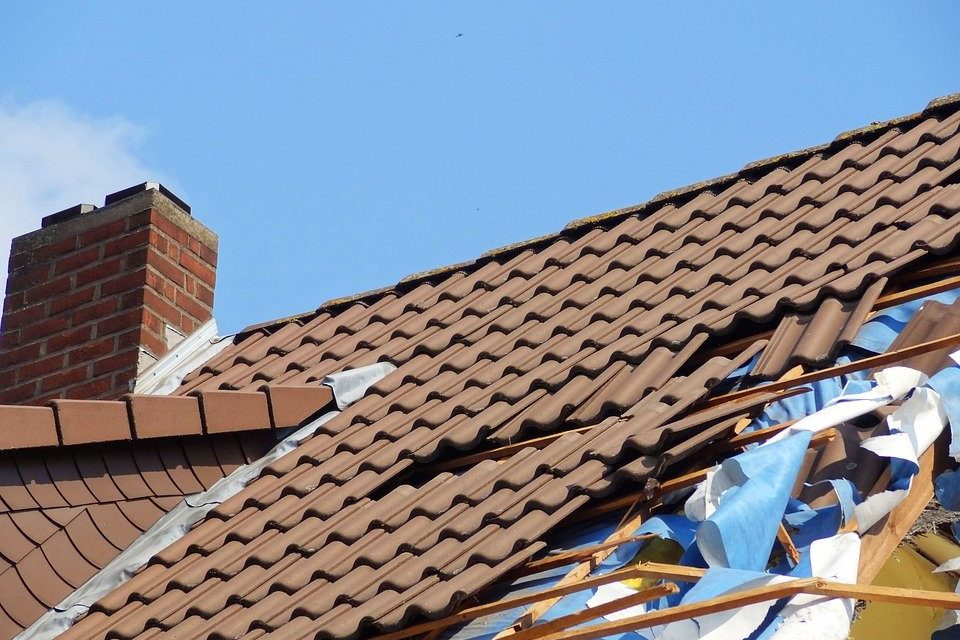 A Brief Guide to File an Insurance Claim for Roof Repair in Jackson