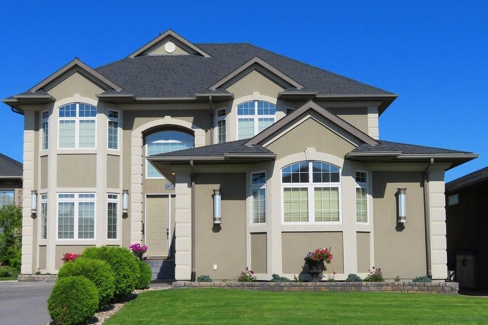 4 Home Repairs and Renovations to Make Before You Sell