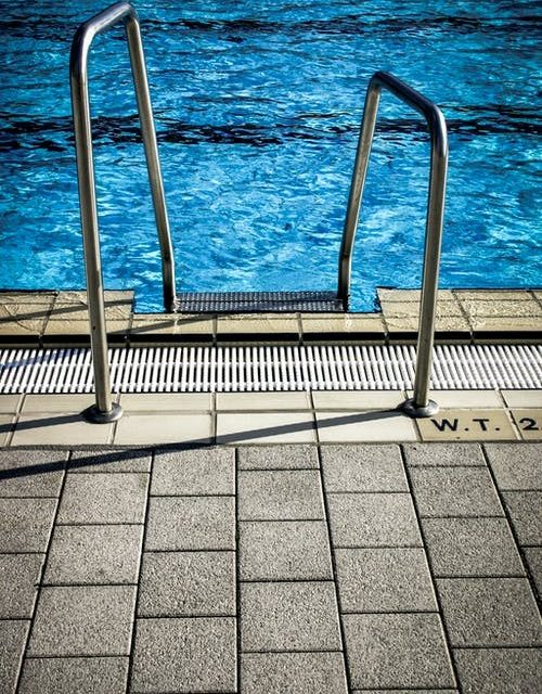 Something For Everyone: Which Pool Depths Are Appropriate For Different Ages?